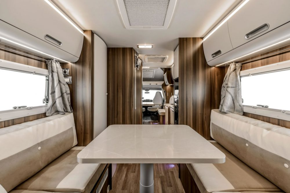 Nodes 25 - Autocaravanas - Rimor Super Brig Suite