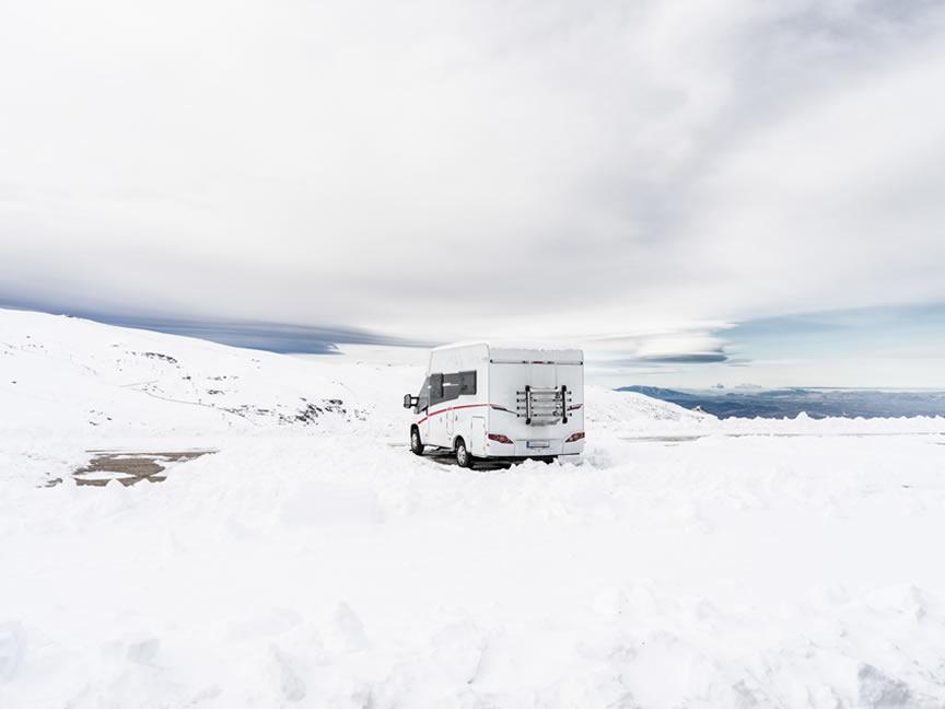 Nodes25 - El plan perfecto para esta Navidad: ¡ir a esquiar en autocaravana!