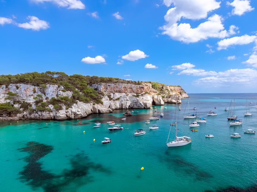 Nodes 25 - Descubrir Menorca en Camper, ¿Te atreves? - Alquiler de autocaravanas